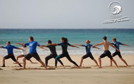 Surf Yoga mit Nancy Sarraf